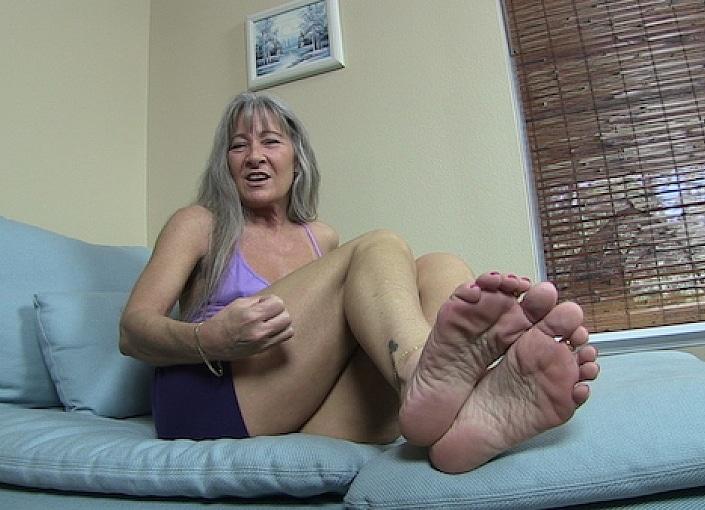 Nikki Brooks Foot Worship